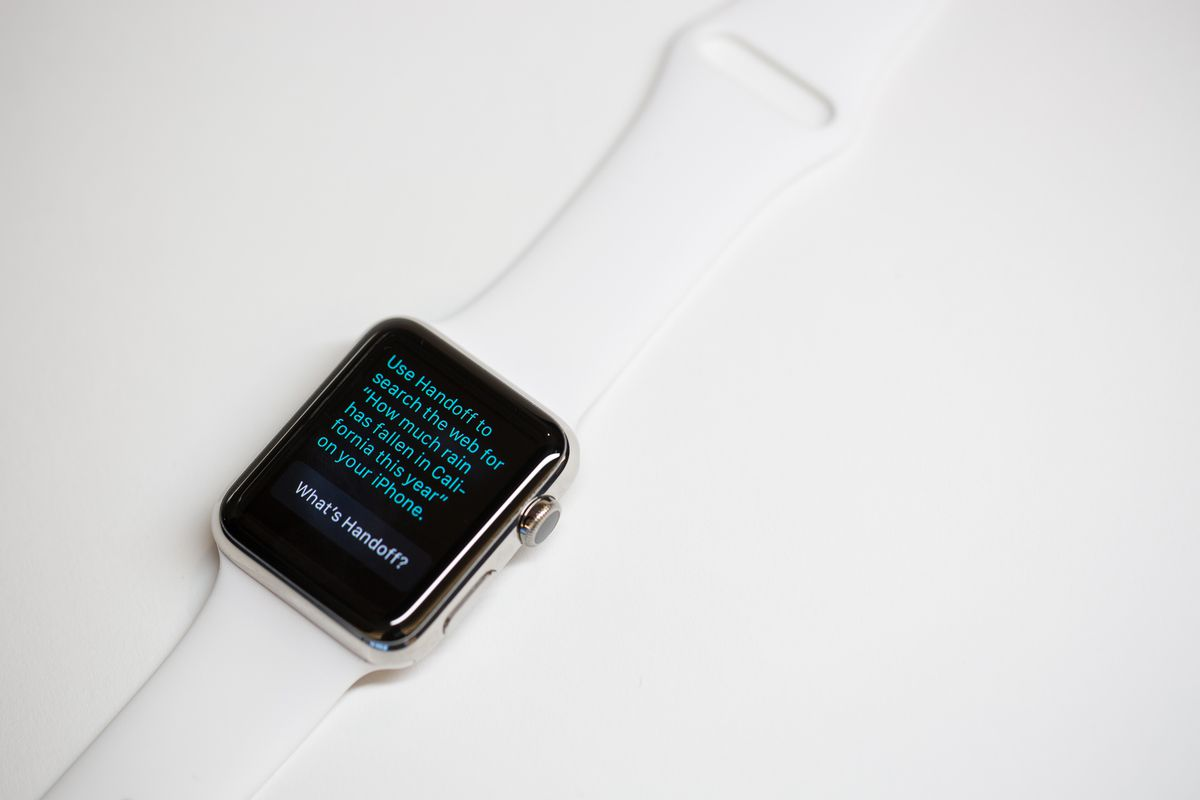 Siri on Apple Watch can control native apps, but isn't so sharp on specific questions.