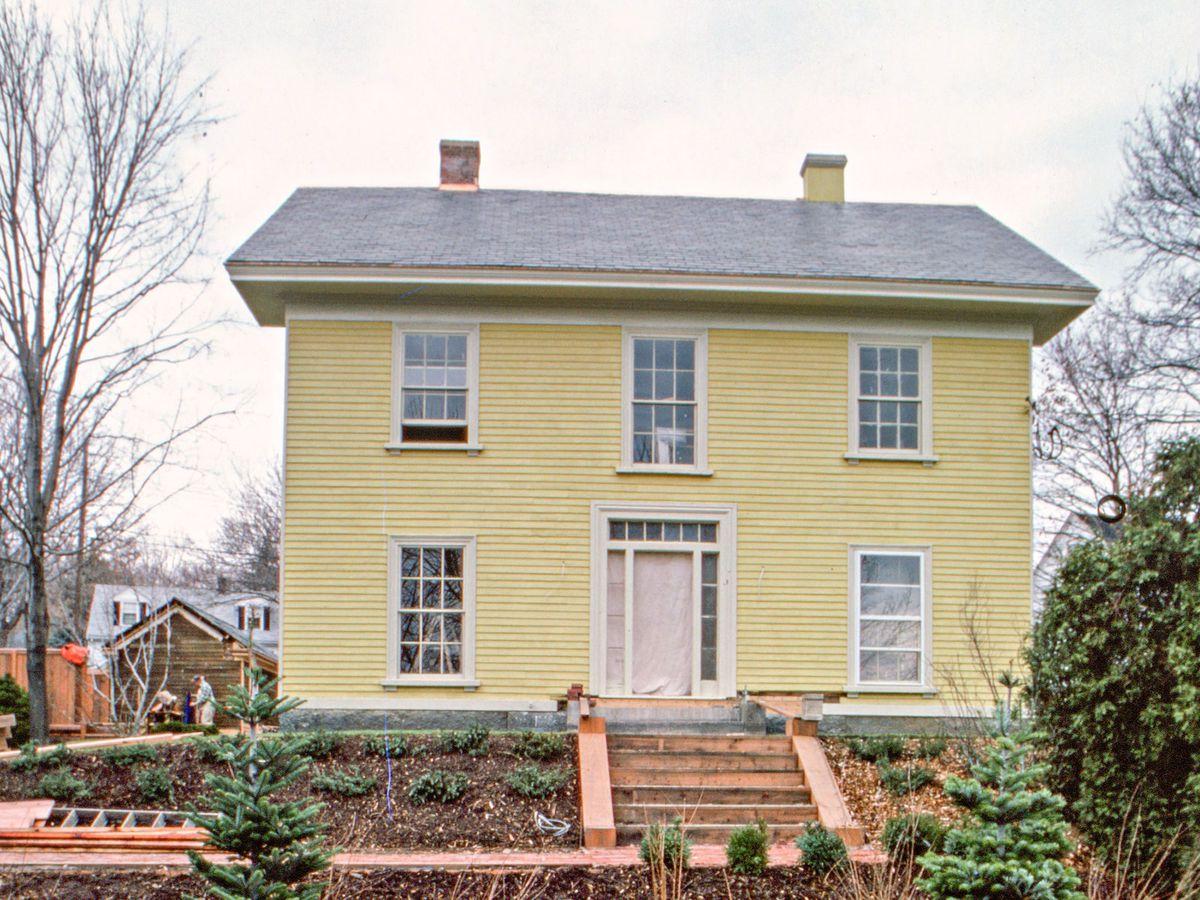 Season 4 - Arlington House exterior