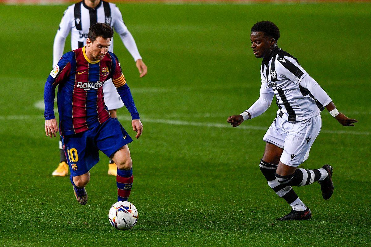 FC Barcelonaa v Levante CF - La Liga Santander