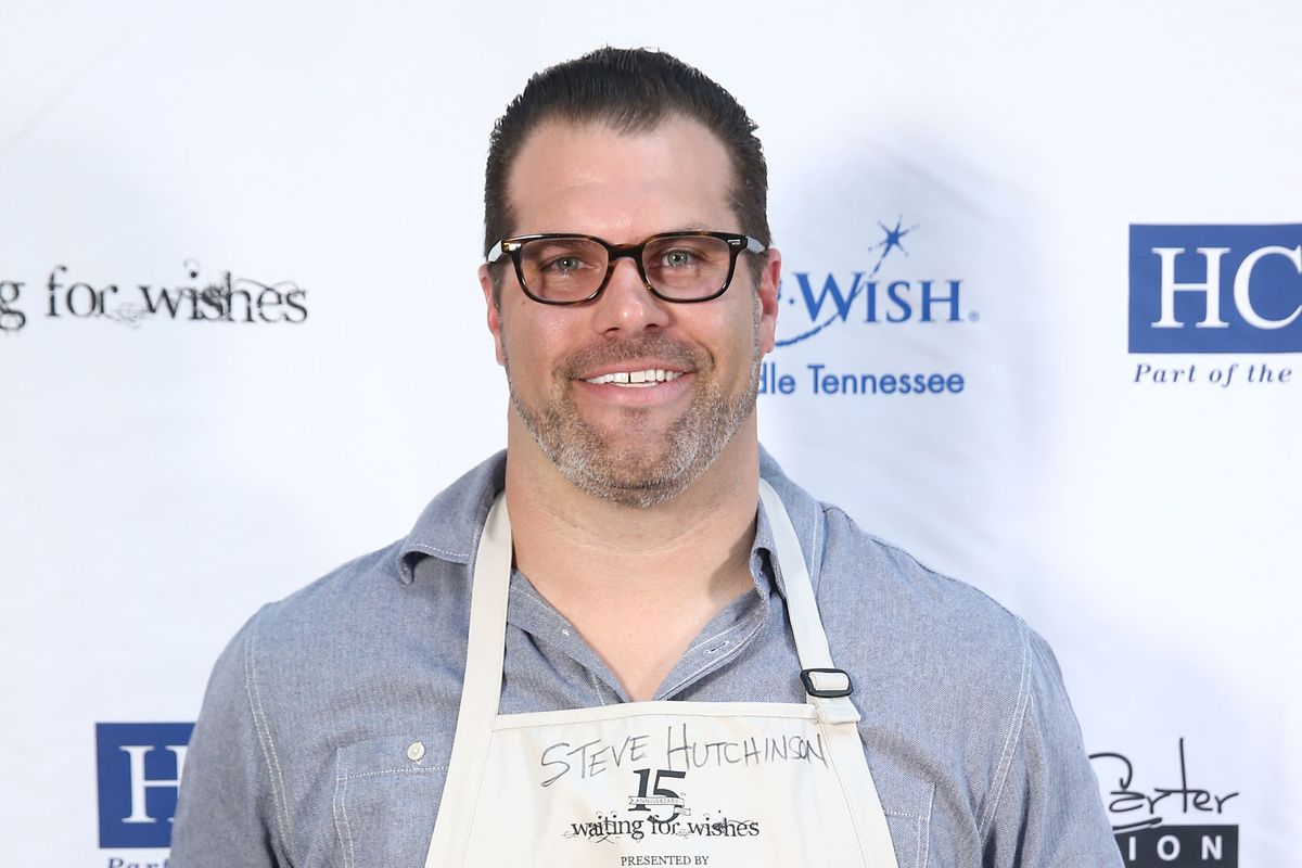 Waiting for Wishes Celebrity Waiters Dinner hosted by Kevin Carter and Jay DeMarcus