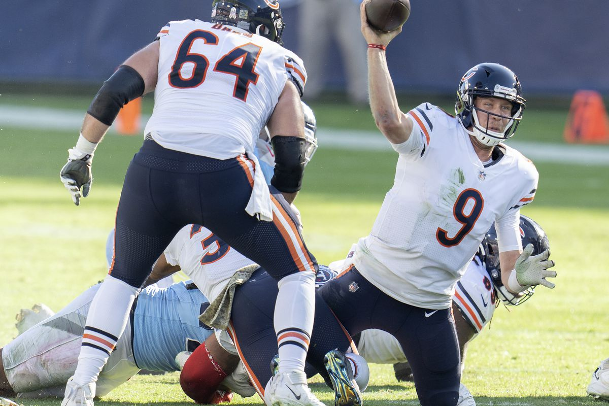 Nick Foles (9, under siege against the Titans on Nov. 8 in Nashville) had an 80.8 passer rating in nine games (seven starts) with the Bears in 2020, including a victory over the eventual Super Bowl champion Buccaneers.