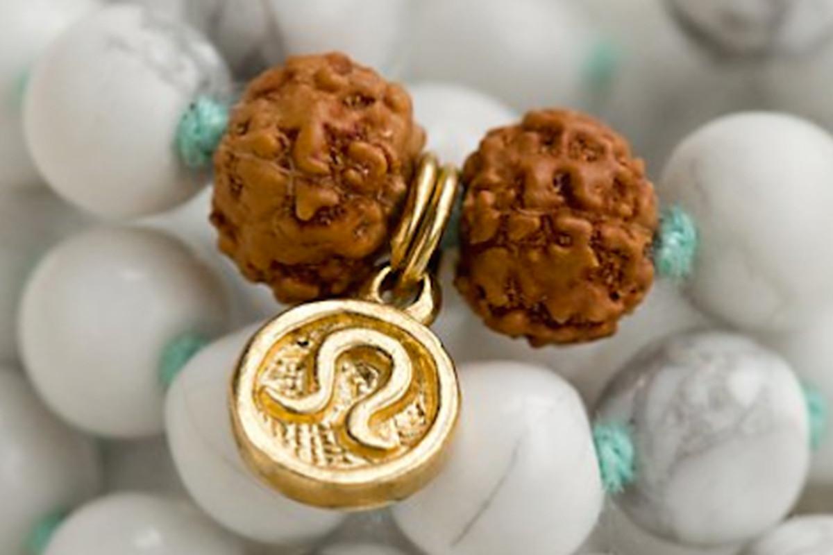 "Image <a href=""http://jezebel.com/these-108-lululemon-meditation-beads-seem-worth-it-1678958675"">via</a>."