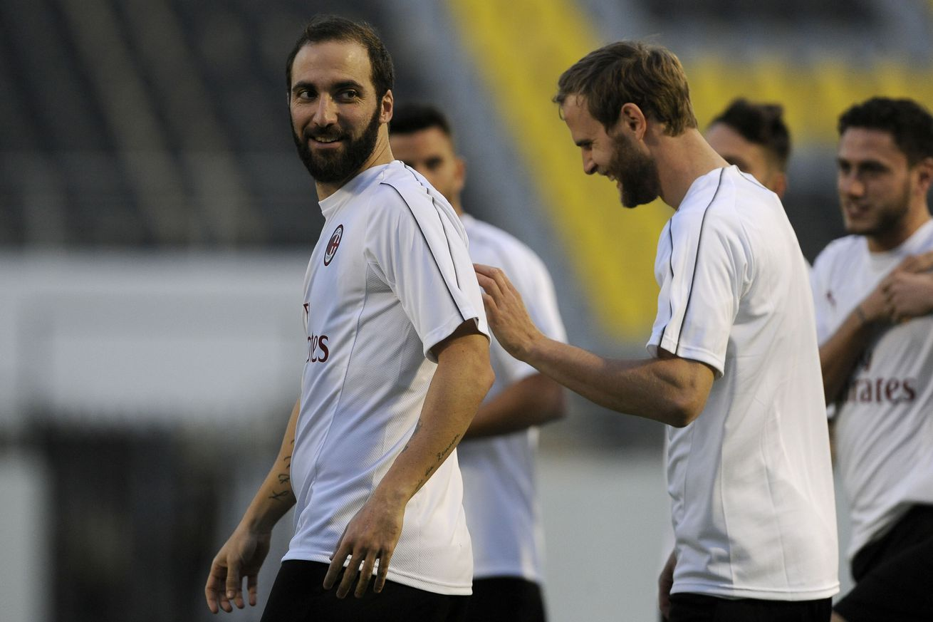 Report: Juventus, Chelsea agree to 18-month Higuain loan deal