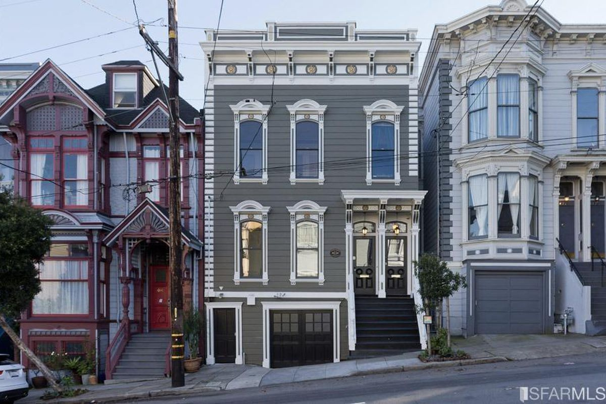 The facade of the Italianate Victorian house at 467 Oak Street.