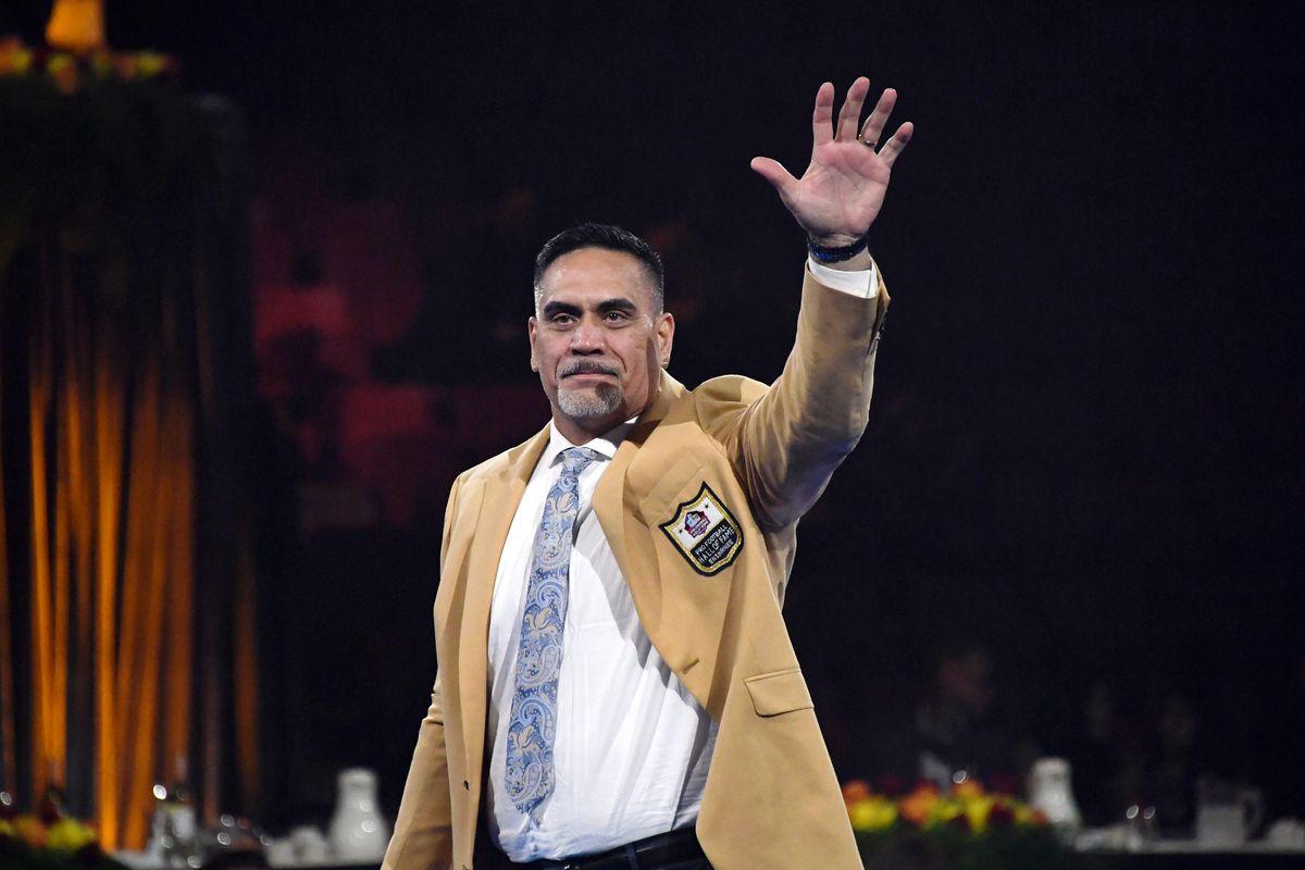 NFL: Pro Football Hall of Fame-Enshrinnees Gold Jacket Dinner