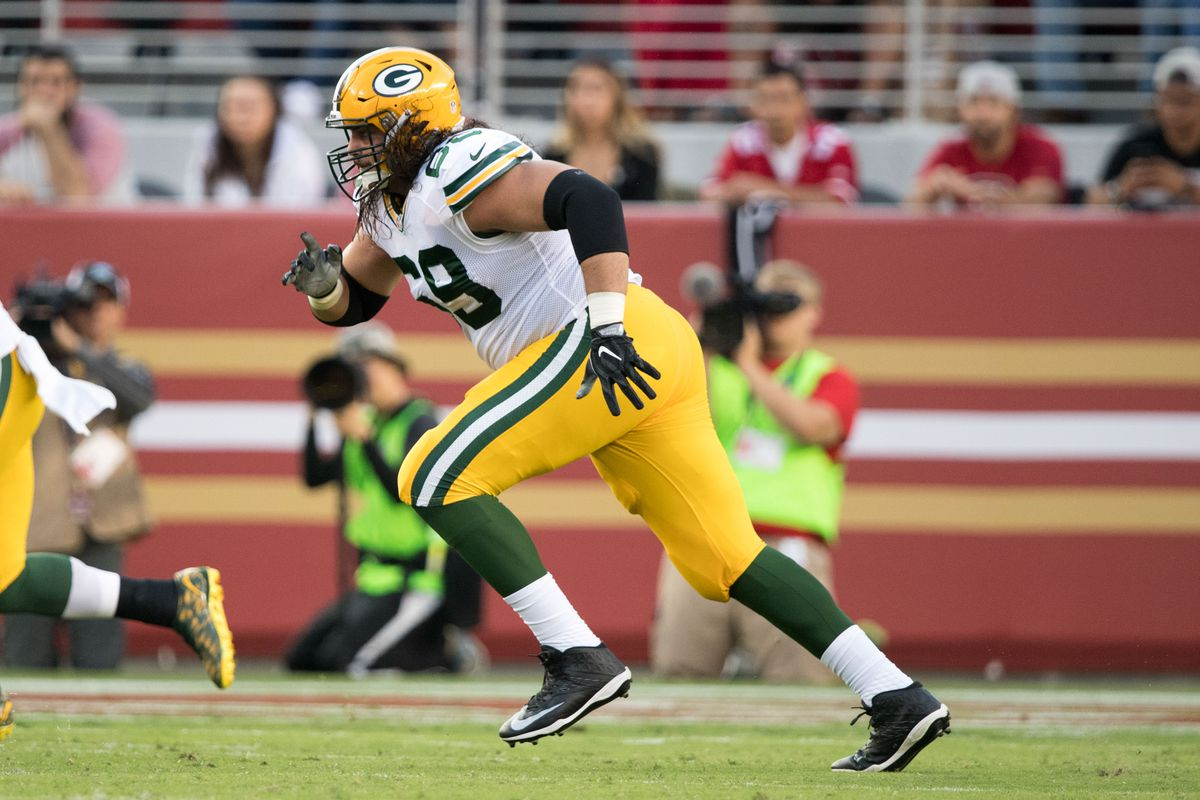 Packers LT David Bakhtiari ruled questionable to return with leg