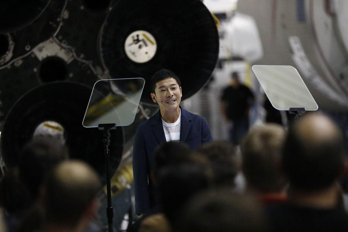 SpaceX CEO Elon Musk Announces Details Of Commercial Space Program