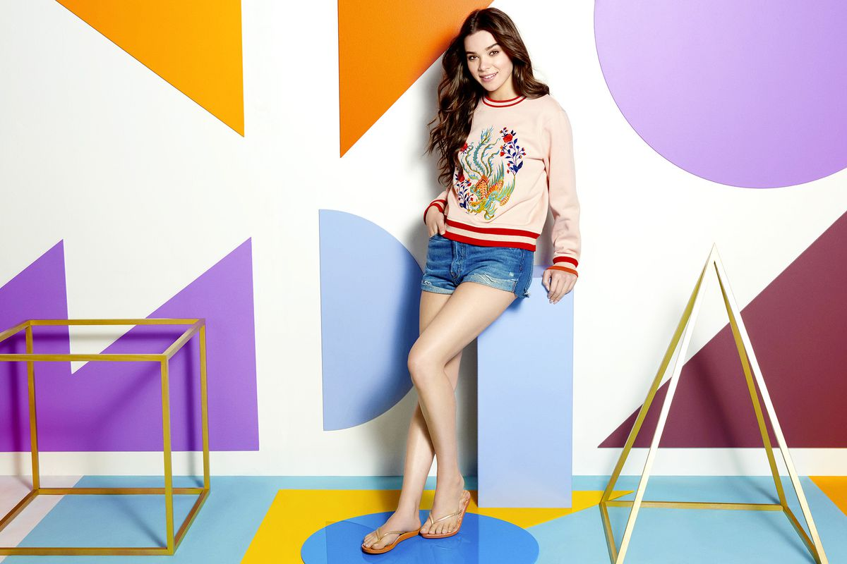 An image from Hailee Steinfeld's Reef campaign.