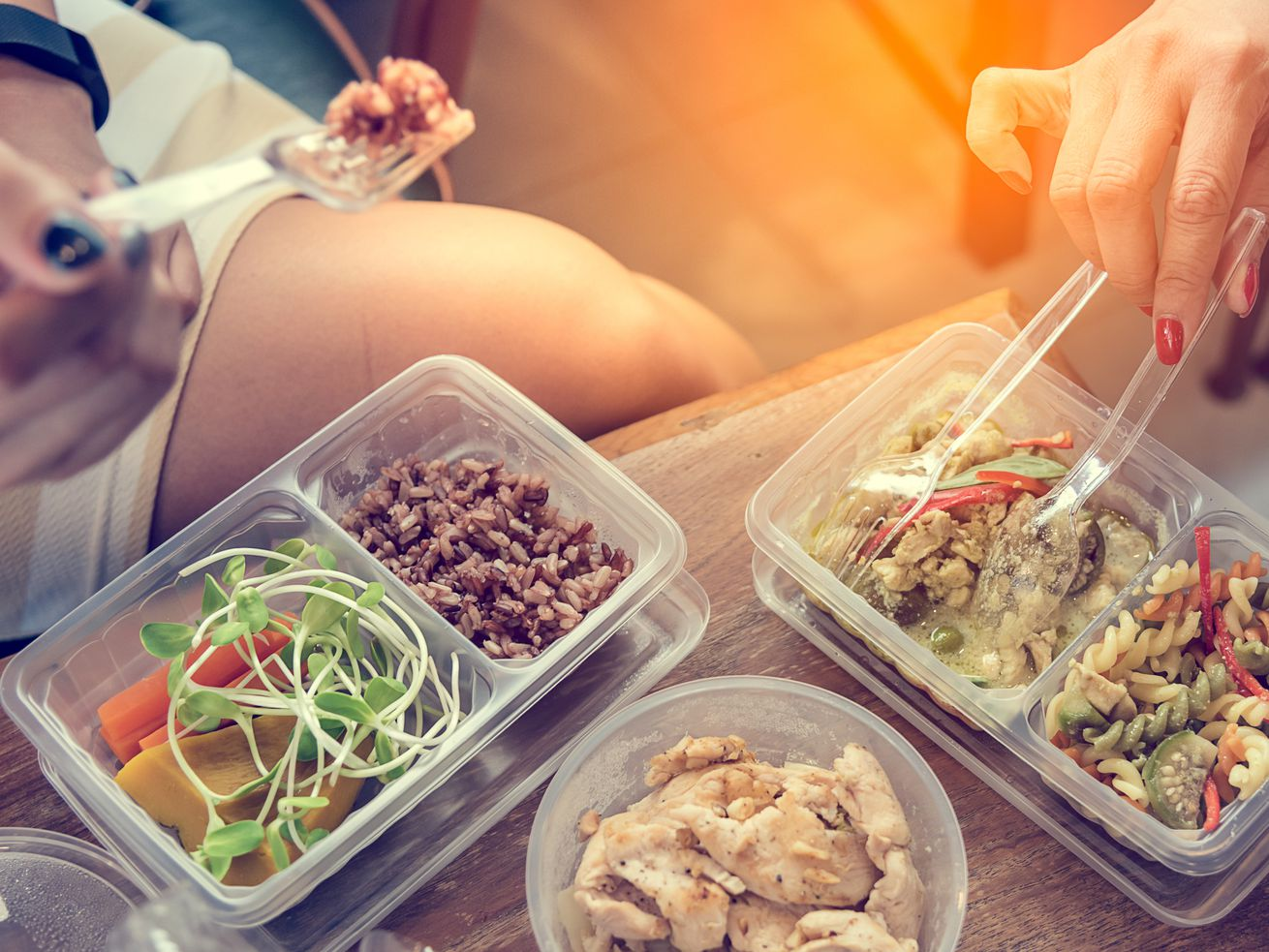 Many people store their lunches and leftovers in plastic — but don't realize there's plastic in their food.
