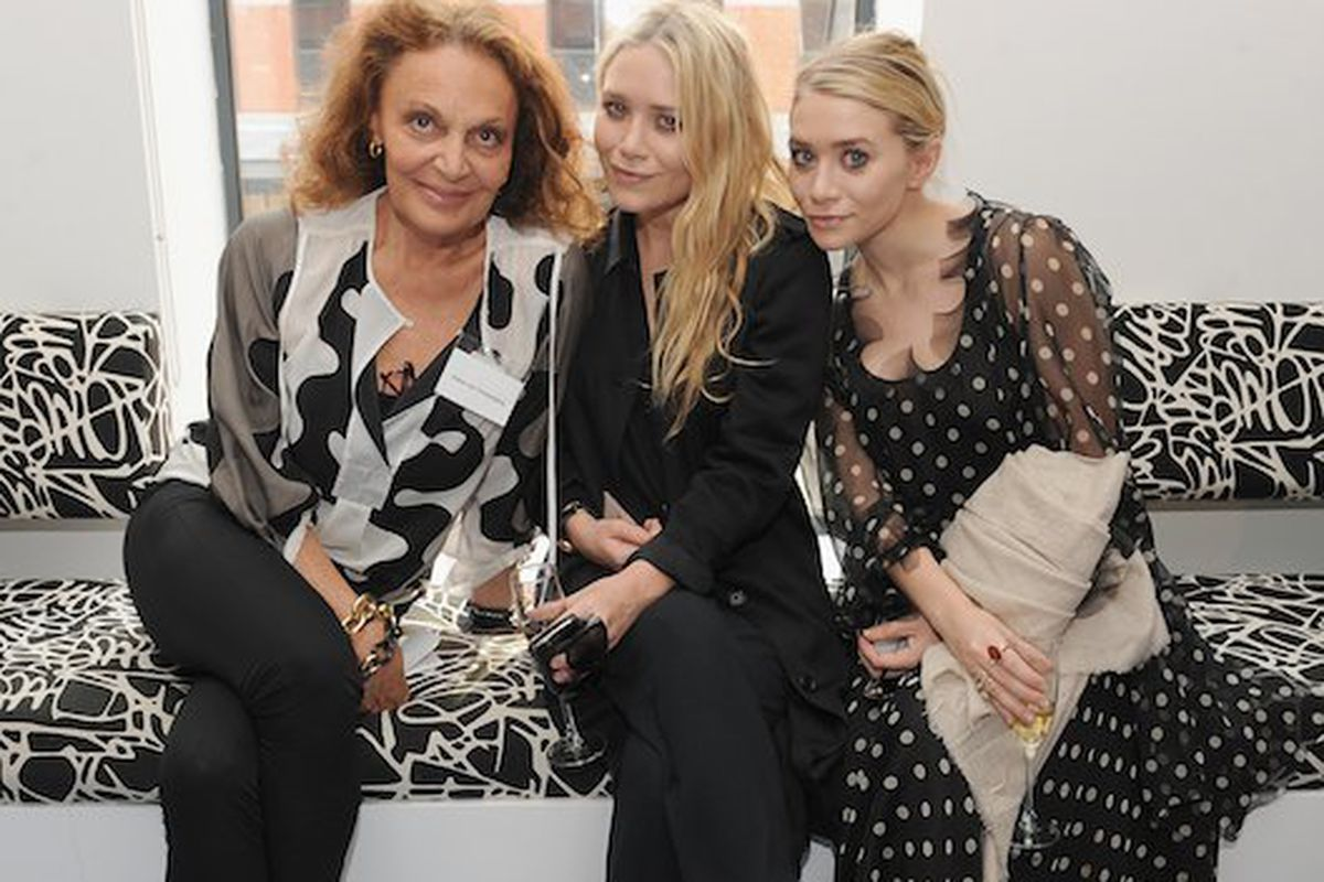 Mary Kate and Ashley Olsen with Diane Von Furstenberg at the CFDA membership meeting (Getty Images)