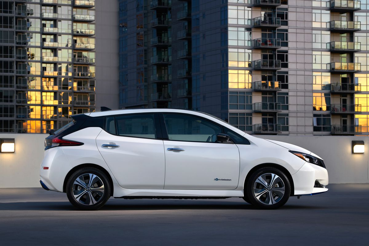 Nissan S New Leaf Goes More Than 200 Miles On A Charge