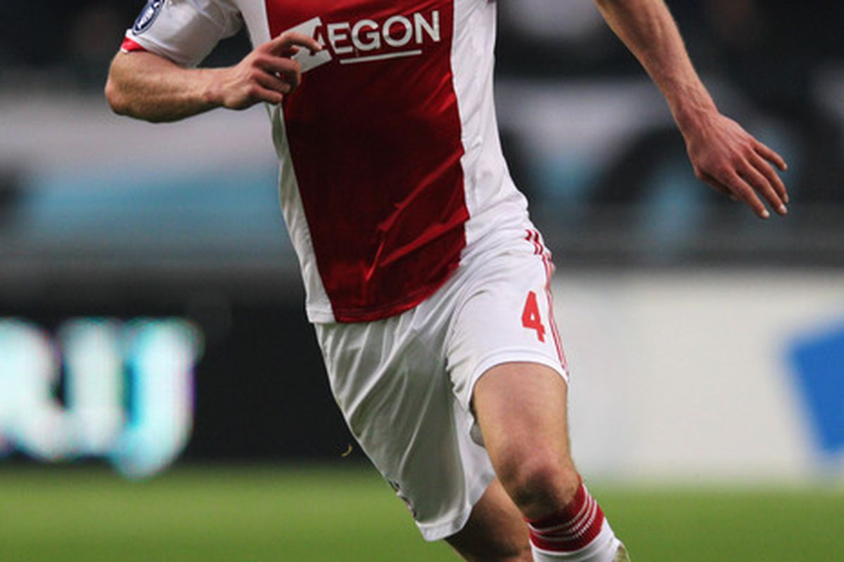 AMSTERDAM, NETHERLANDS - MAY 02:  Jan Vertonghen of Ajax in action during the Eredivisie match between Ajax Amsterdam and VVV Venlo at Amsterdam Arena on May 2, 2012 in Amsterdam, Netherlands.  (Photo by Dean Mouhtaropoulos/Getty Images)