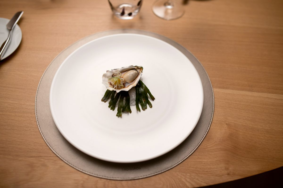 An oyster dish at Maison Troisgros.