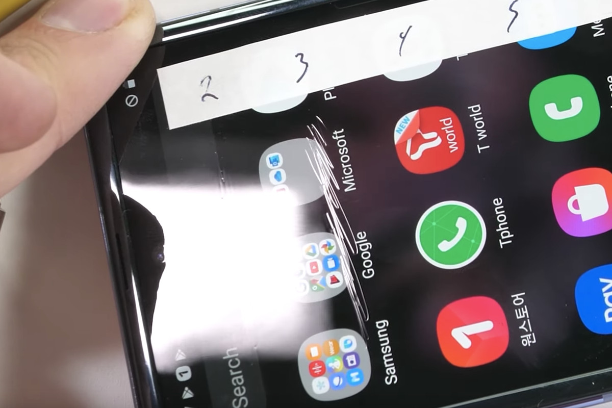 Galaxy Z Flip Durability Test Calls Samsung S Ultra Thin Glass Into Question The Verge