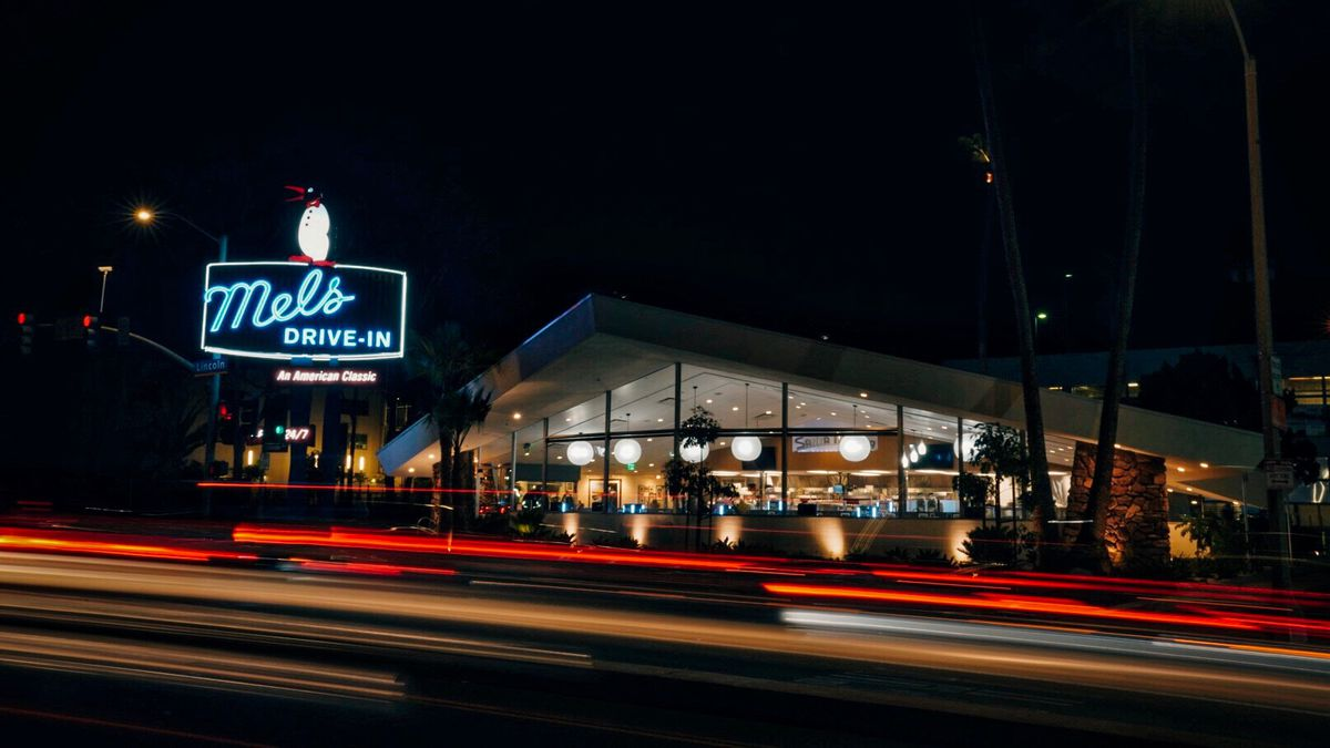Step Inside This Fully Restored Googie Diner At Route 66s End