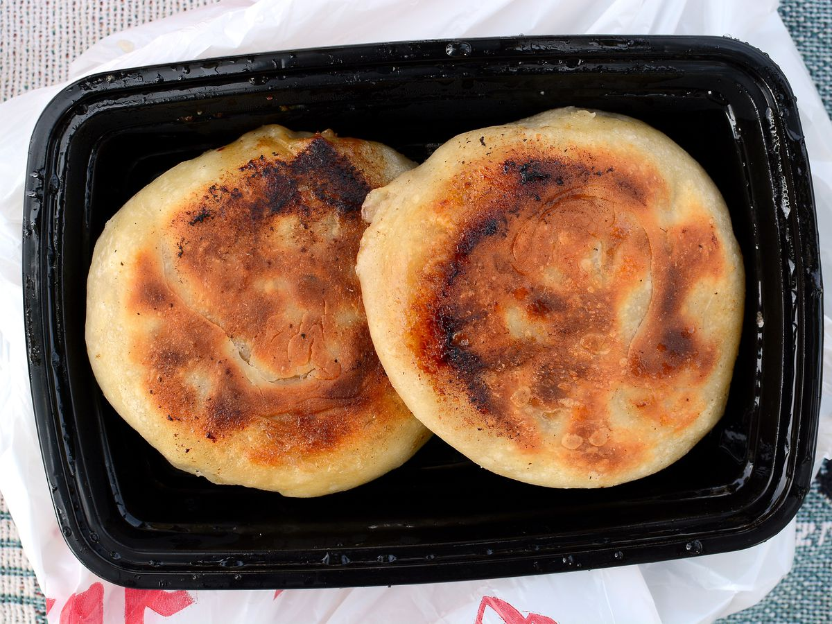 "Meat ""pancake"" at Tianjin Feng Wei in Alhambra."