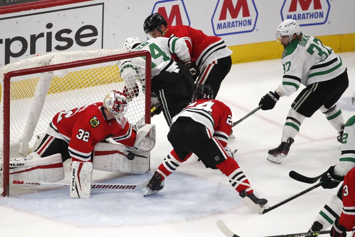 Kevin Lankinen made 25 saves, including some heroic ones, in the Blackhawks' win Tuesday.