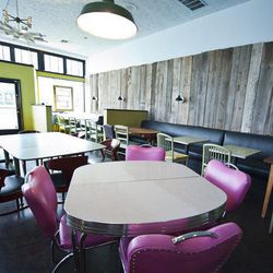"""<a href=""""http://seattle.eater.com/archives/2012/02/23/community-driven-skelly-and-the-bean-now-open.php"""">Seattle:<strong> Skelly and the Bean</strong> Now Open</a>"""