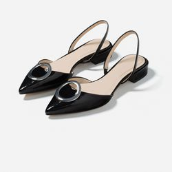 Pointy slingbacks as sharp as Buttercup herself.