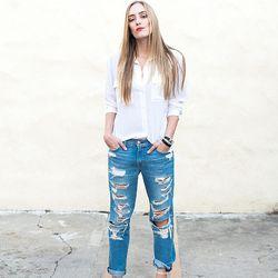 "Kimberly of <a href=""http://www.eatsleepwear.com""target=""_blank"">Eat Sleep Wear</a> is wearing an <a href=""http://www.shopbop.com/slim-signature-blouse-equipment/vp/v=1/845524441962563.htm?folderID=2534374302155112&colorId=14968&extid=affprg_CJ_SB_US-1909"