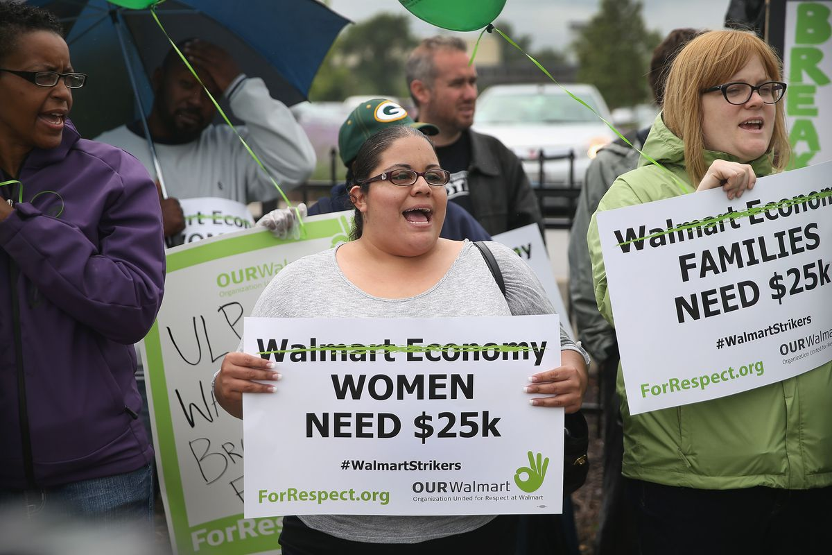 Walmart Corporate Contact >> Walmart Could Pay Workers 15 Hr With The Money It S Giving