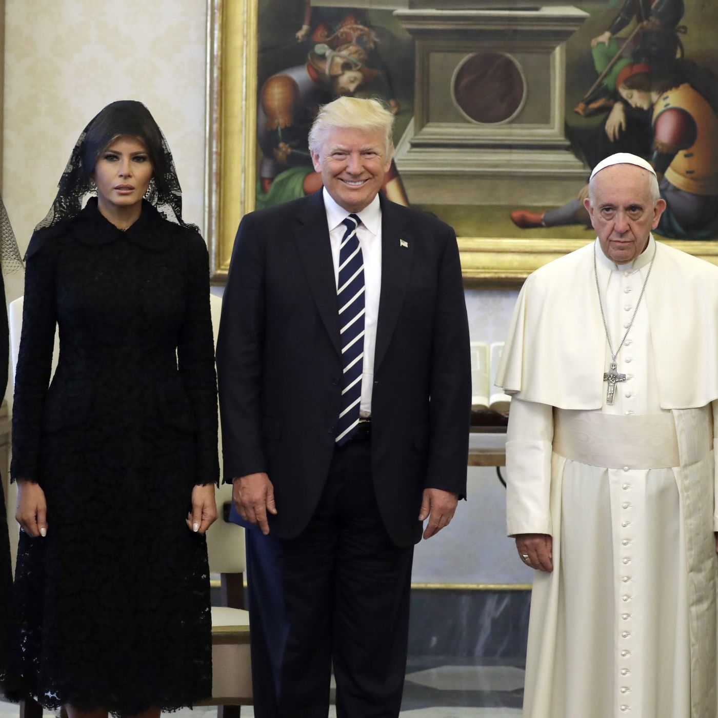 Donald Trump's meeting with Pope Francis, in one hilarious picture - Vox