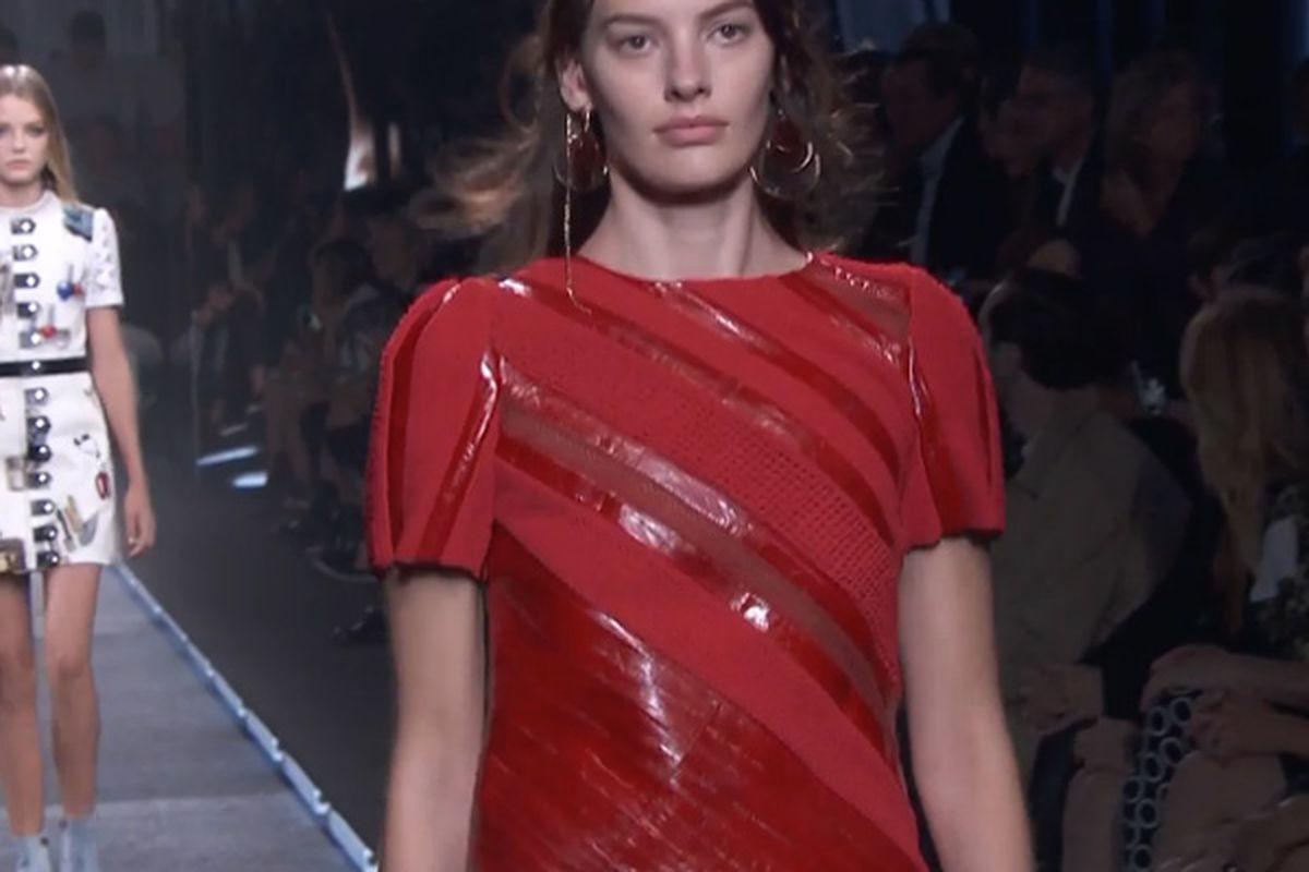 """Screenshot: <a href=""""http://us.louisvuitton.com/eng-us/stories/women-spring-2015-collection"""" target=""""_blank"""">Louis Vuitton</a>"""
