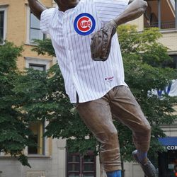 Ron Santo statue with jersey