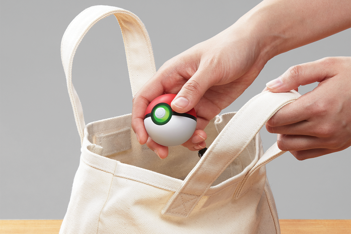 Poke Ball Plus How It Works With Pokmon Go And Lets