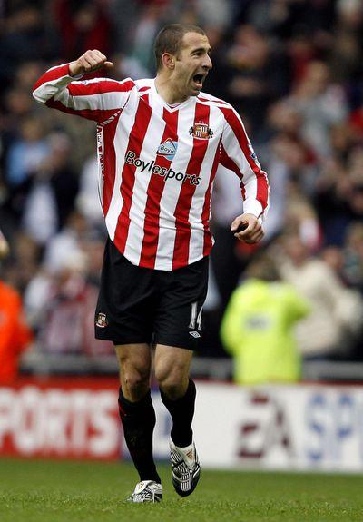 Danny Higginbotham of Sunderland celebra