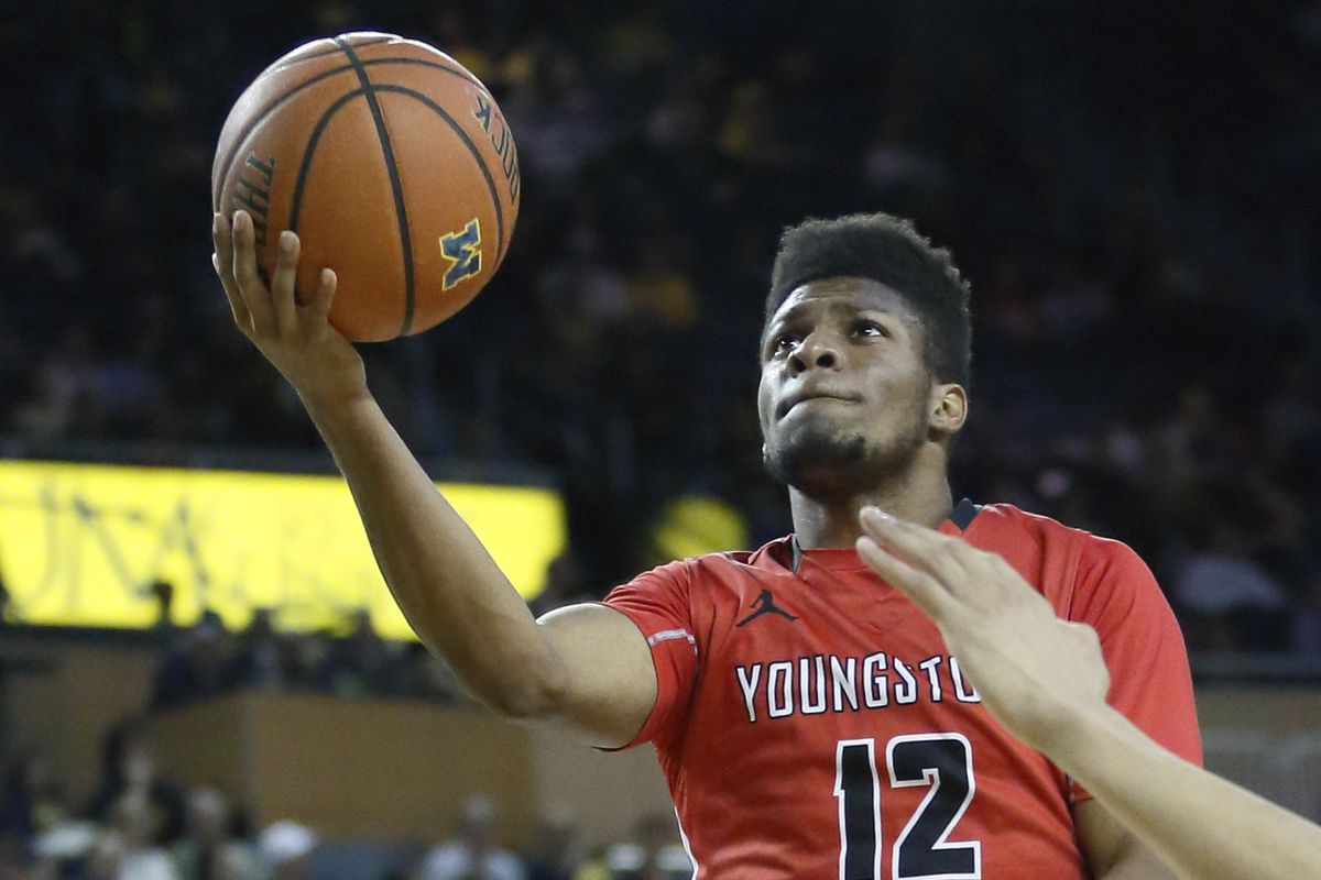 Youngstown State v Michigan
