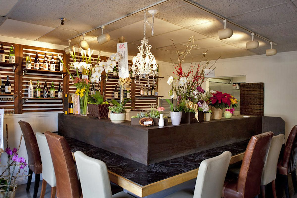 """<a href=""""http://la.eater.com/archives/2012/12/07/rice_a_healthy_place_for_lunch_or_dinner_in_mb.php"""">Rice, Manhattan Beach, CA</a>"""
