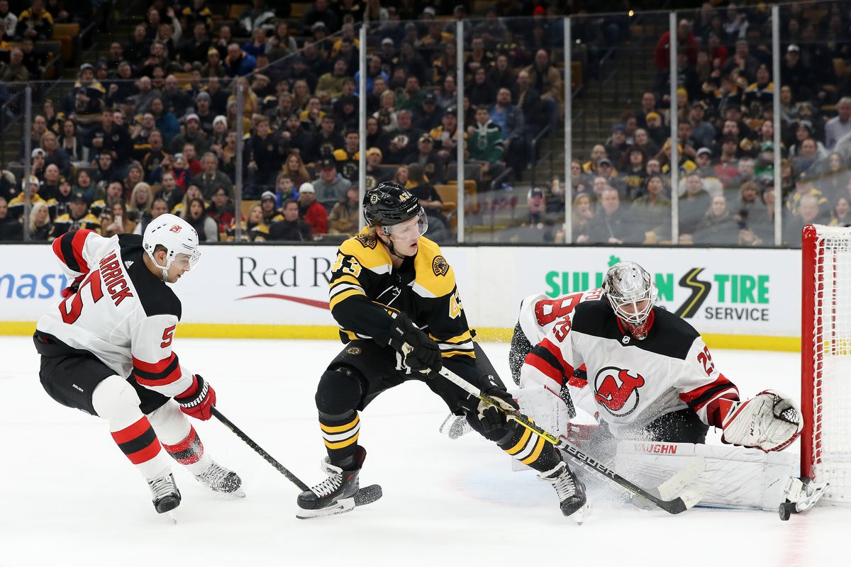 New Jersey Devils Edged 0-1 by Boston in a Goaltender's Duel