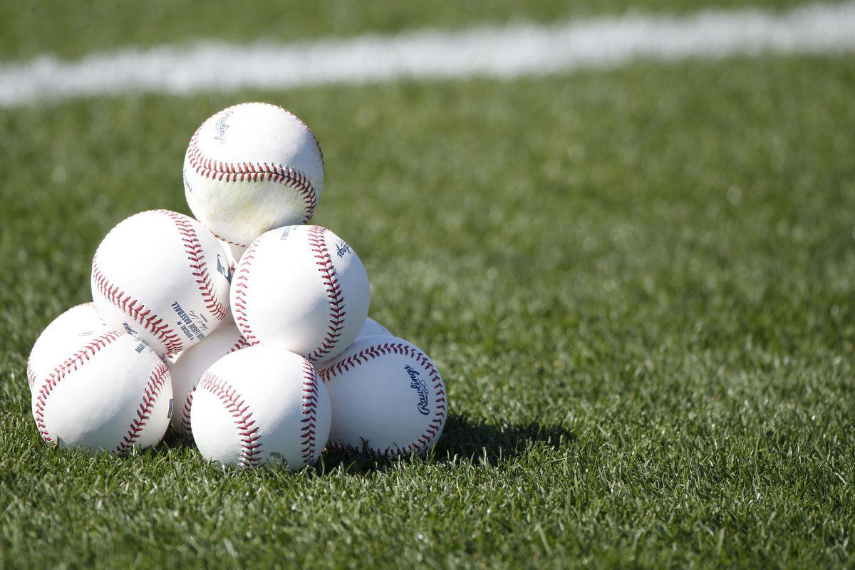 All the baseballz.