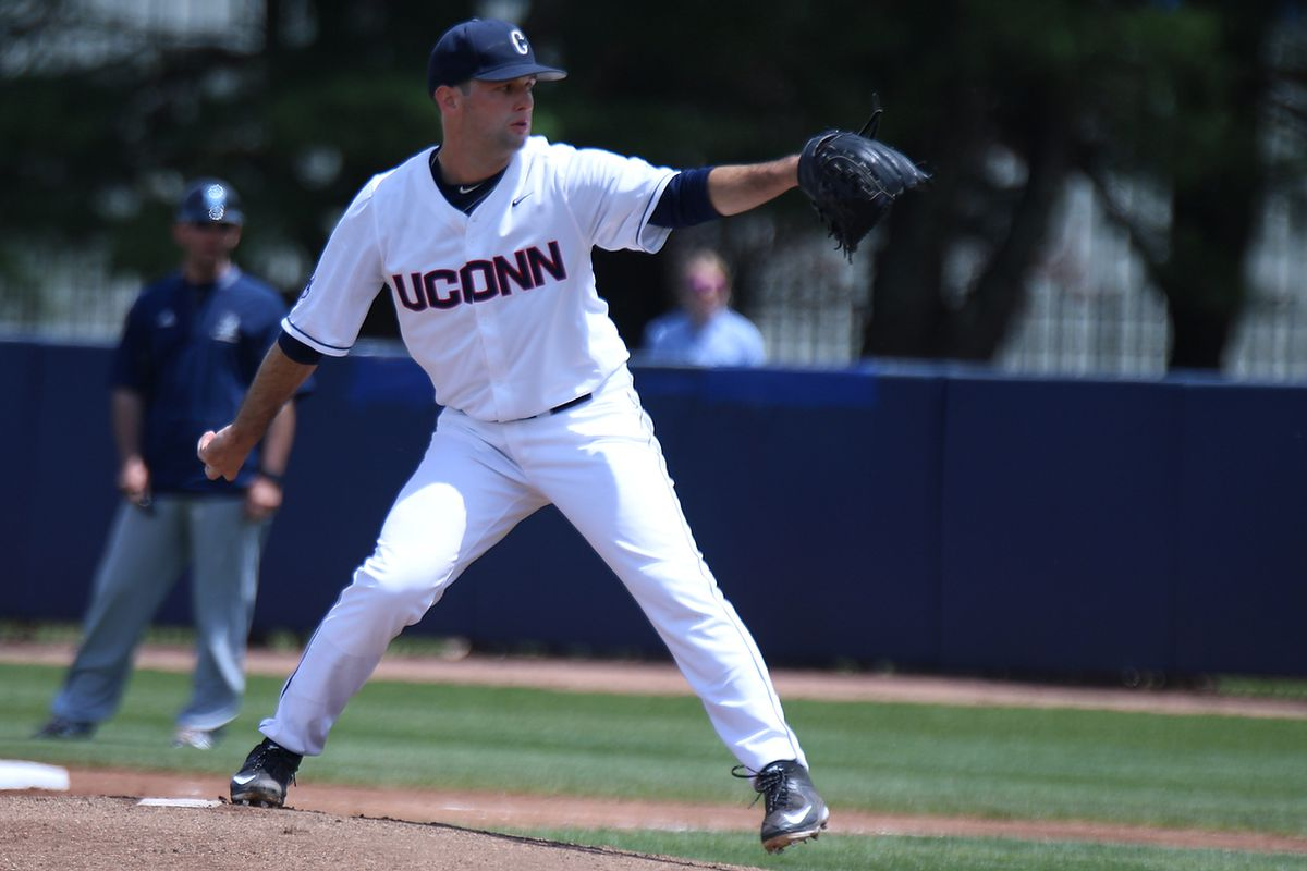 Andrew Zapata helps keep UConn Baseball red-hot with sixth straight win.