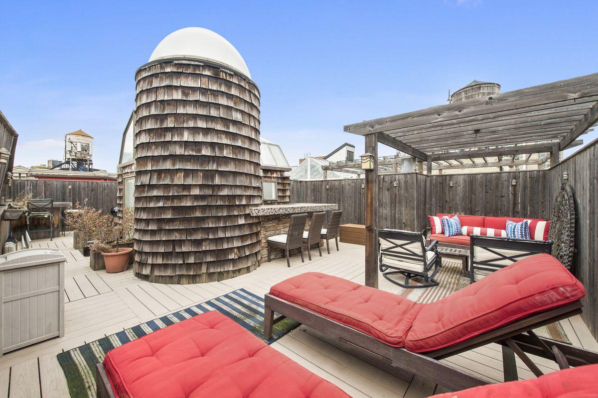 Whimsical Rooftop Barn And Silo Top A 2 65m Soho Loft