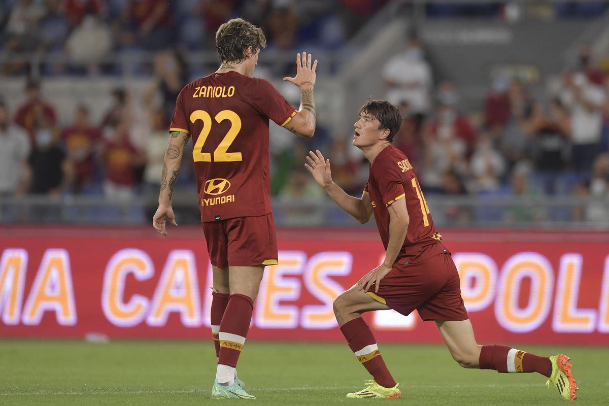 Eldor Shomurodov of AS Roma (R) celebrates with Nicolo...