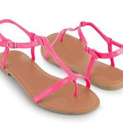 """<a href=""""http://www.forever21.com/Product/Product.aspx?BR=f21&Category=shoes_sandalsflipflops&ProductID=2000041730&VariantID=""""> Forever 21 patent thong sandal</a>, $9.80 forever21.com"""