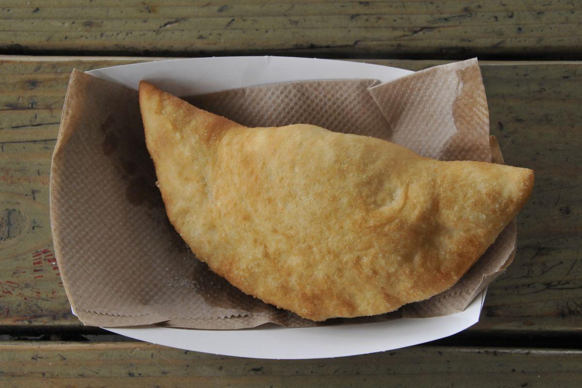 The panzerotti and Bari Food Cart