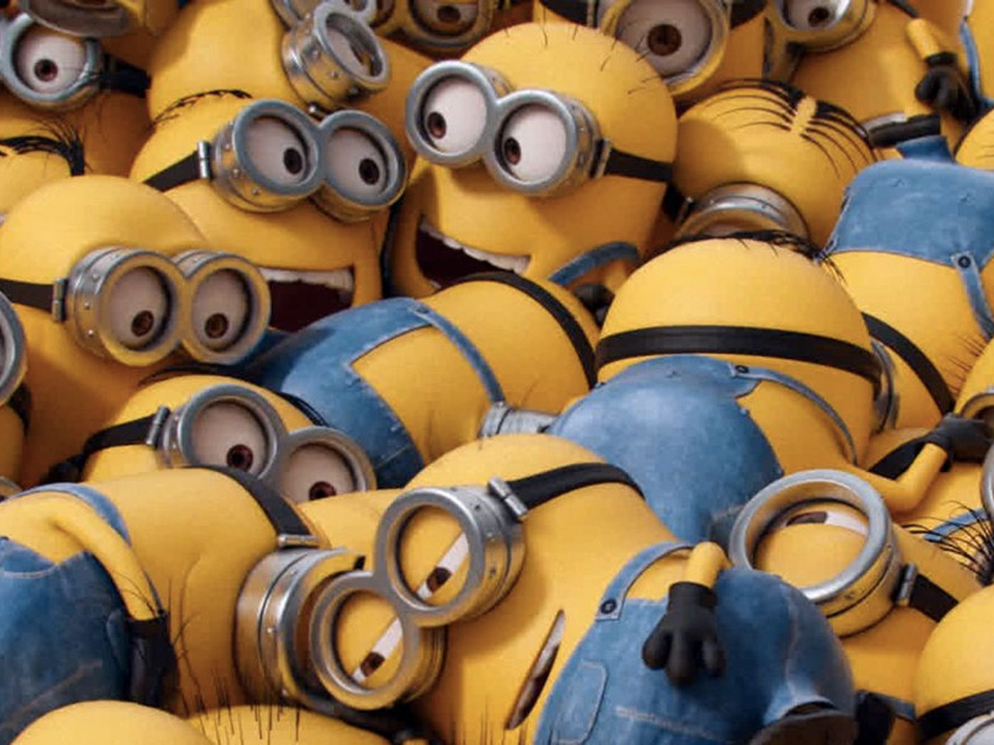 Minion Kissing Camera : Minions explained vox