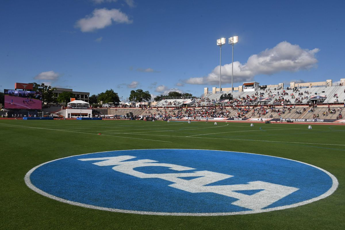 """<p zoompage-fontsize=""""15"""" style="""""""">Track &amp; Field: NCAA Championships"""