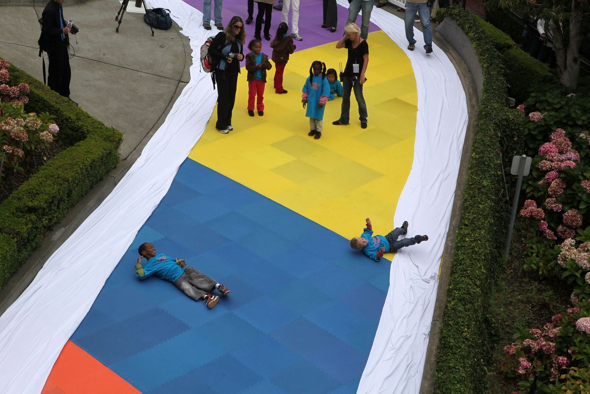 San Francisco's Lombard St Is Converted To World's Largest Candyland Board