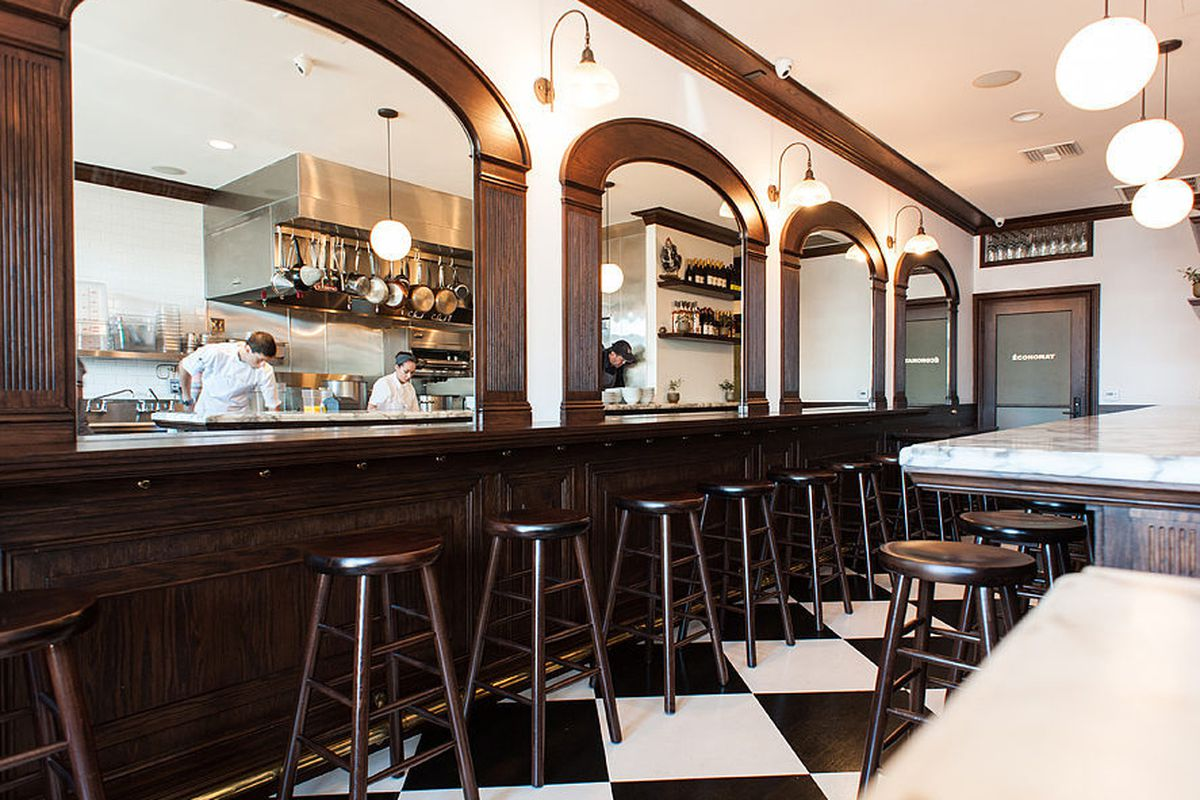 Chef Ludo Lefebvre S Petit Trois Opens This Week Eater