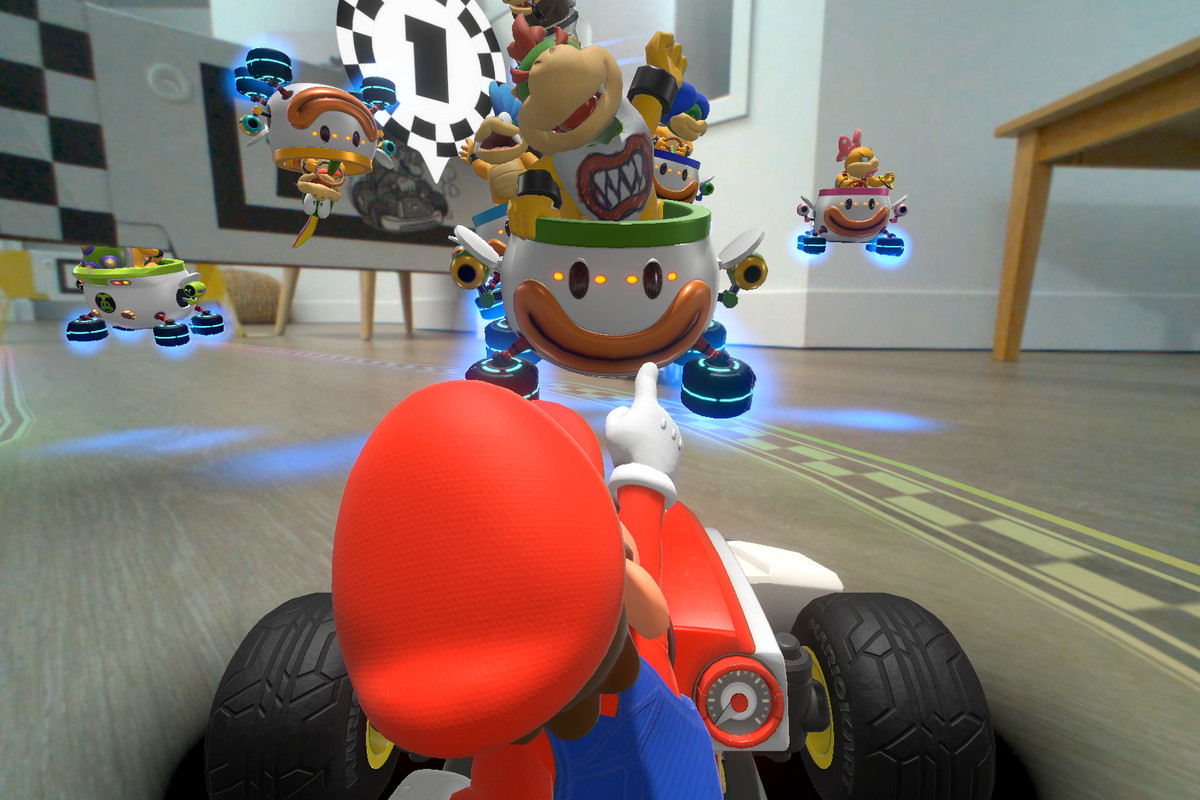 10 things we learned about Mario Kart Live: Home Circuit, Nintendo's mixed  reality racer - The Verge