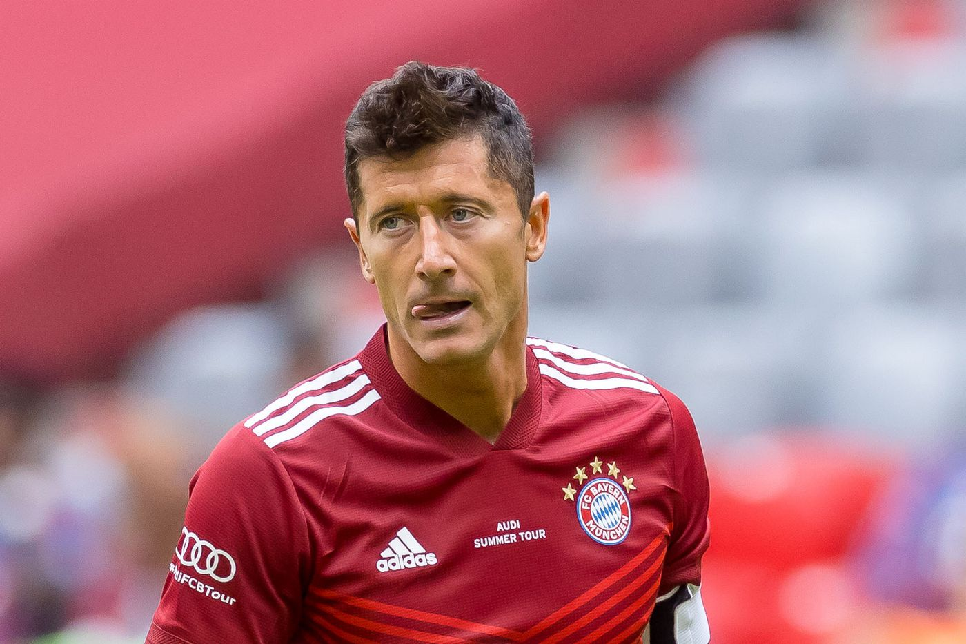 Report: Bayern Munich's Robert Lewandowski could be losing a suitor as  Manchester City is focused on Tottenham Hotspur's Harry Kane - Bavarian  Football Works