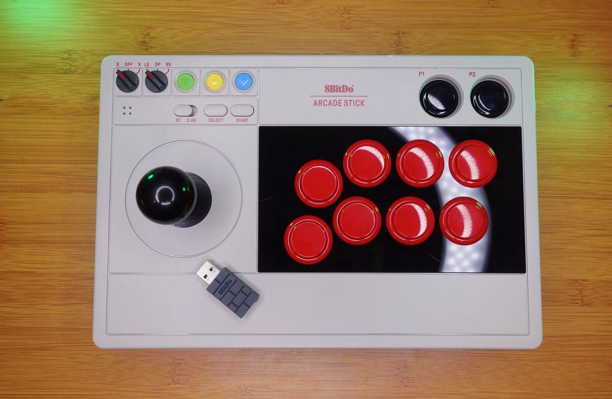 Il bastone 8Bitdo Arcade