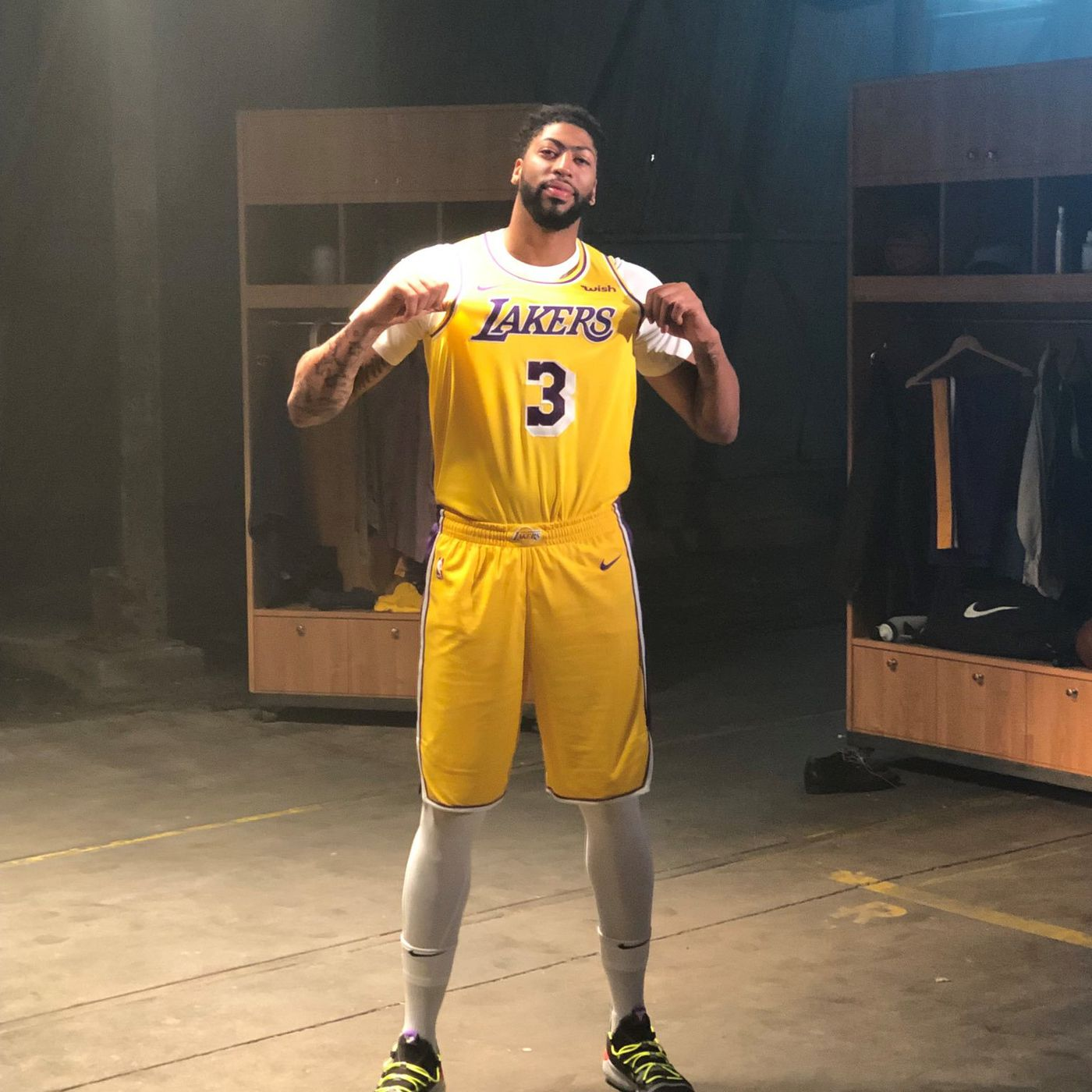 NBA 2K gave us our first look at Anthony Davis in new Lakers ...