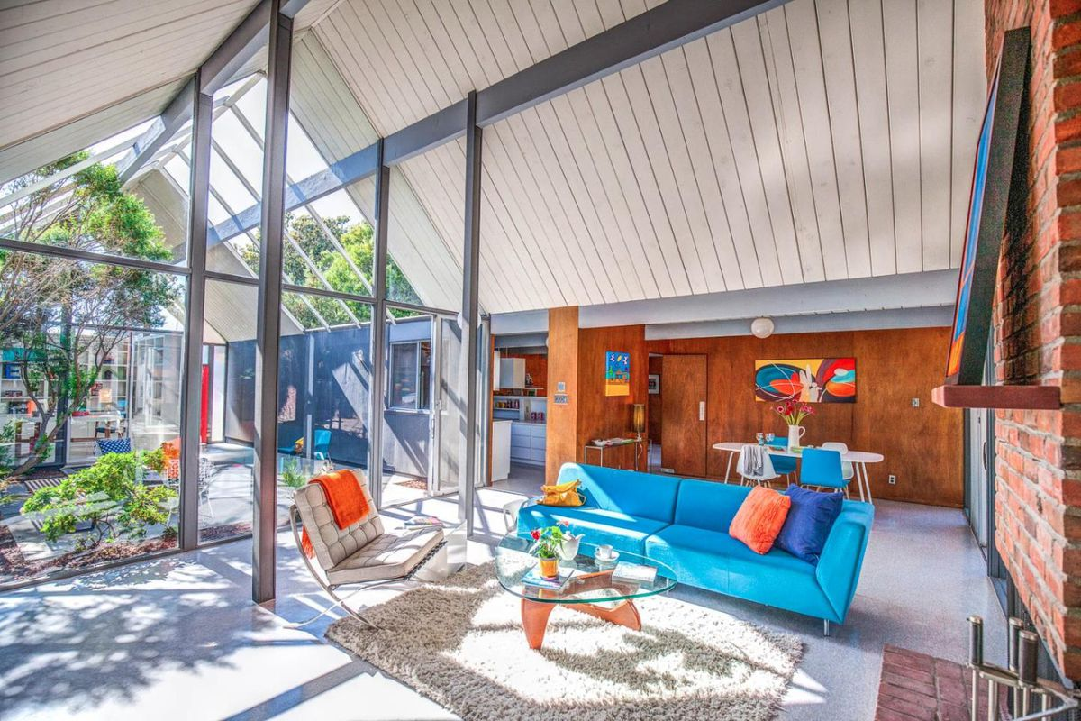 Eichler with double a frame atrium wants 1 8m curbed for Residential atrium