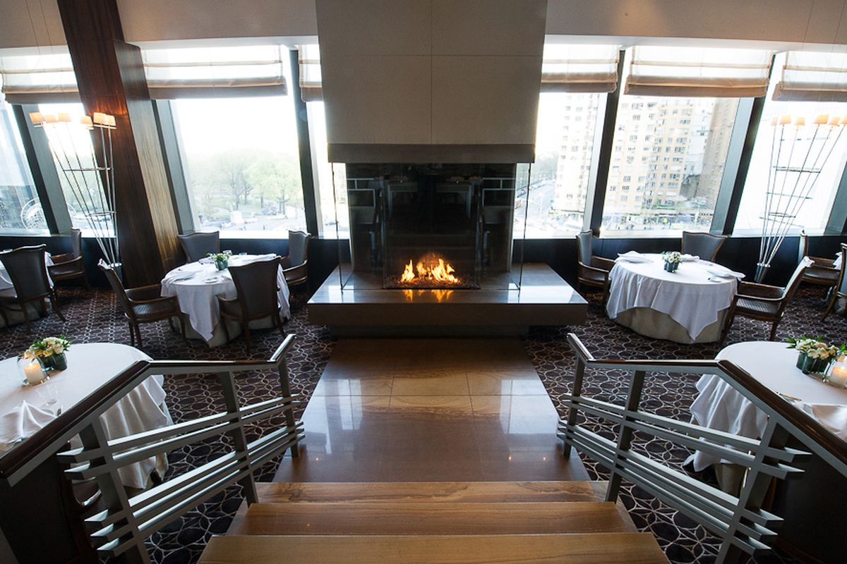 [The dining room at Per Se]