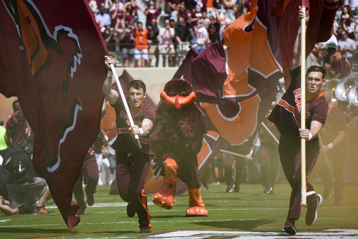 """<p zoompage-fontsize=""""15"""" style="""""""">Old Dominion v Virginia Tech"""